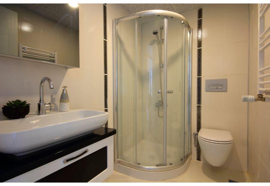 Instalación de mampara de baño en Getafe | Decoración