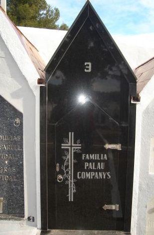 Lápida en granito negro intenso y blanco
