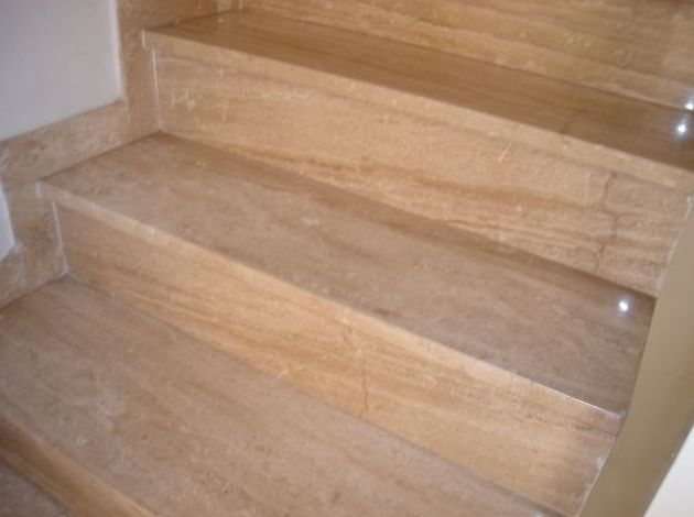 Peldaños de escaleras en Daino Reale
