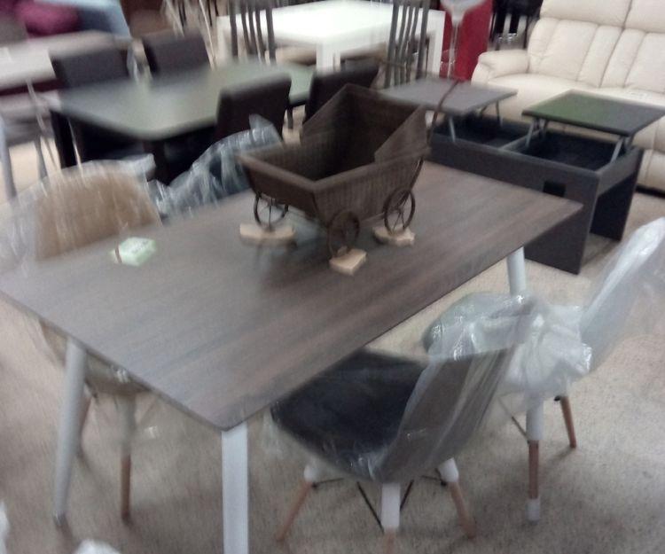 Gran variedad de mesas
