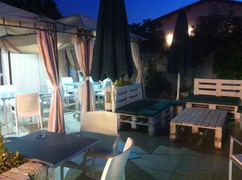 Foto 35 de Restaurantes en San Mamés de Meruelo | Restaurante La Yaya