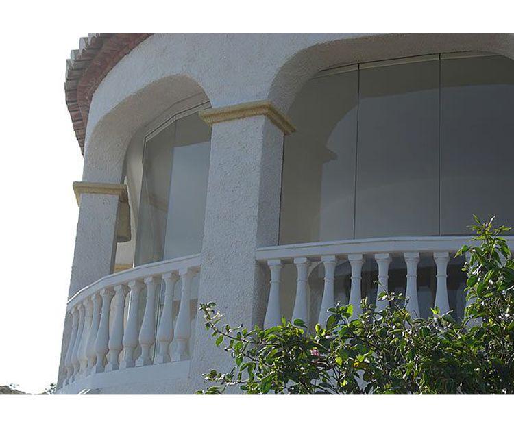 Balconada aislada con cristal en Málaga