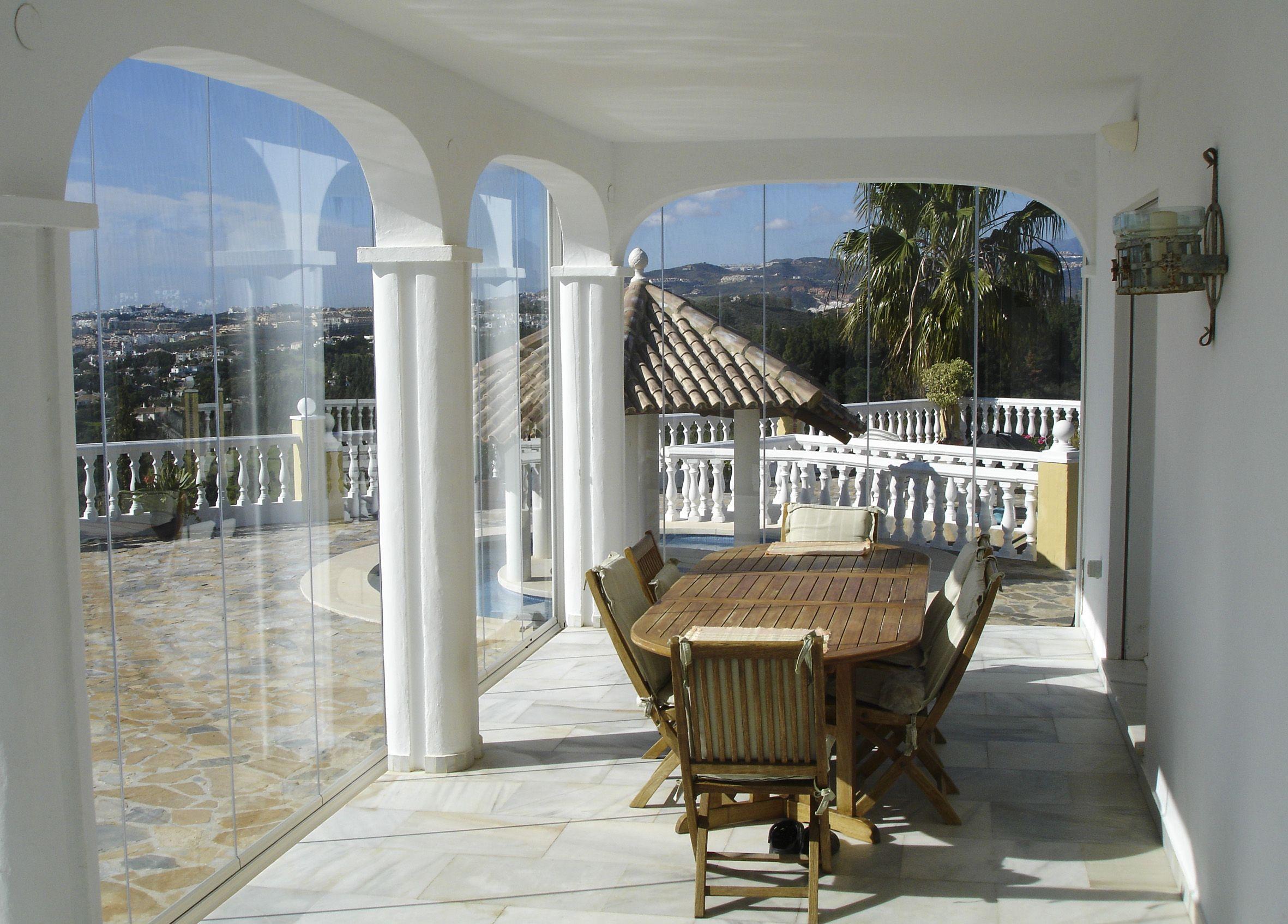 Acristalamientos sin perfiles en Málaga