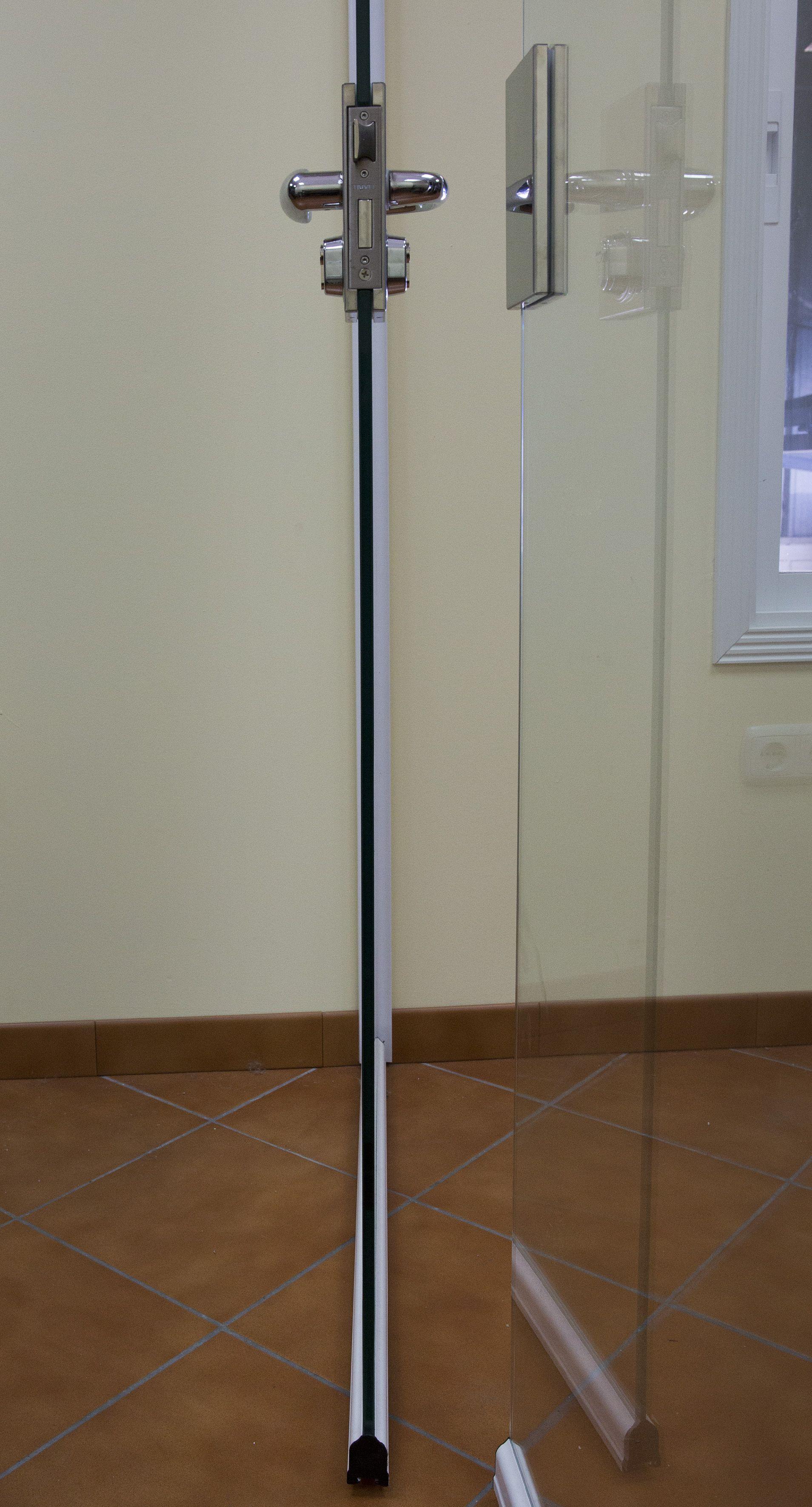 Instaladores de cortinas de cristal en Málaga