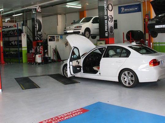 Taller de coches en Fuerteventura