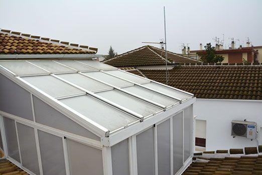 Aprovecha tu terraza con un cerramiento de calidad en Rute