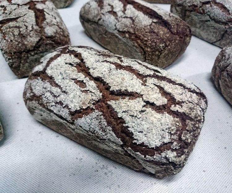 Pan artesano integral de centeno en Carmona