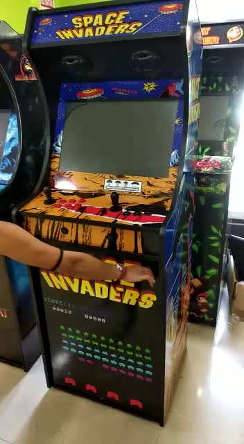 Space Invaders Con Nevera  }}