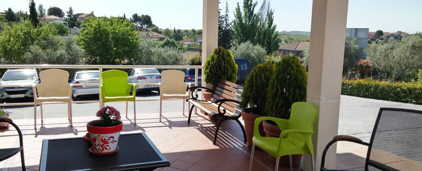 Terraza cubierta para disfrutar del sol y el buen tiempo