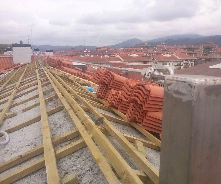 Alta seguridad en trabajos realizados en altura en Pamplona