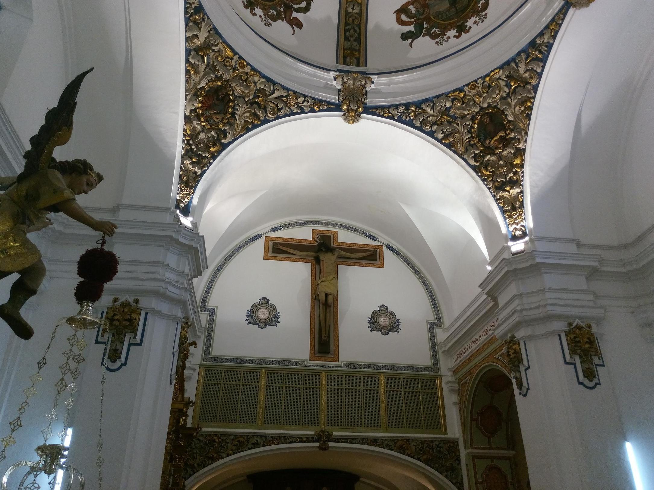 Trabajos de iluminación en edificios religiosos