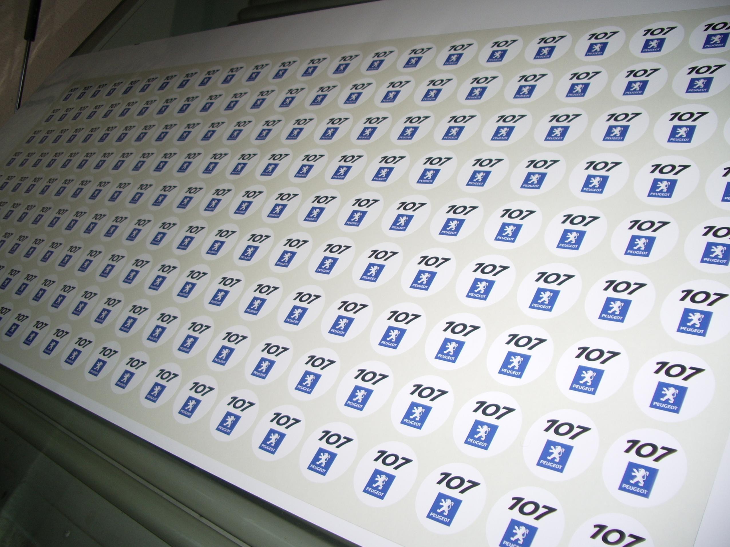 Adhesivos en impresión digital