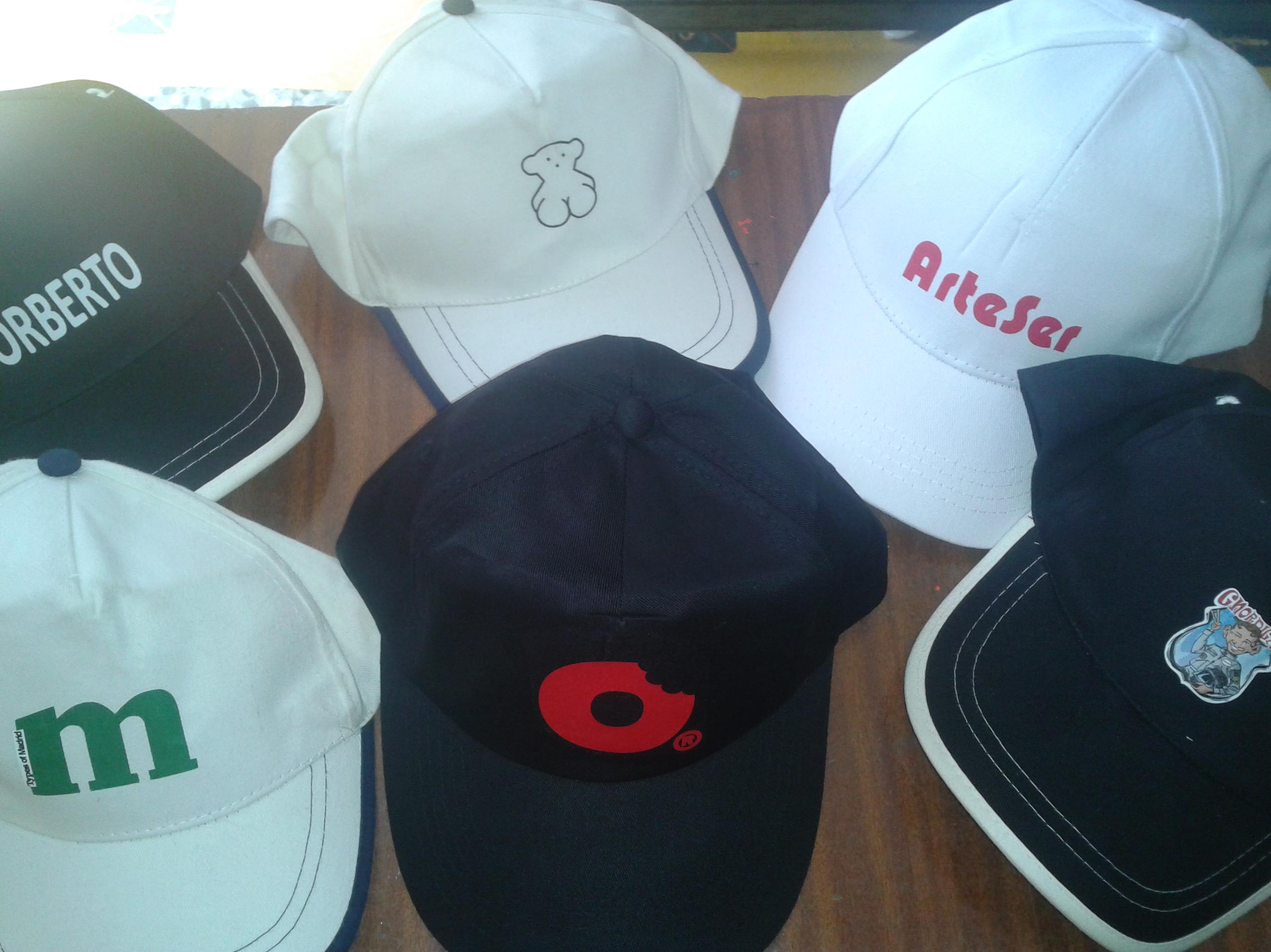 Gorras de diferentes modelos