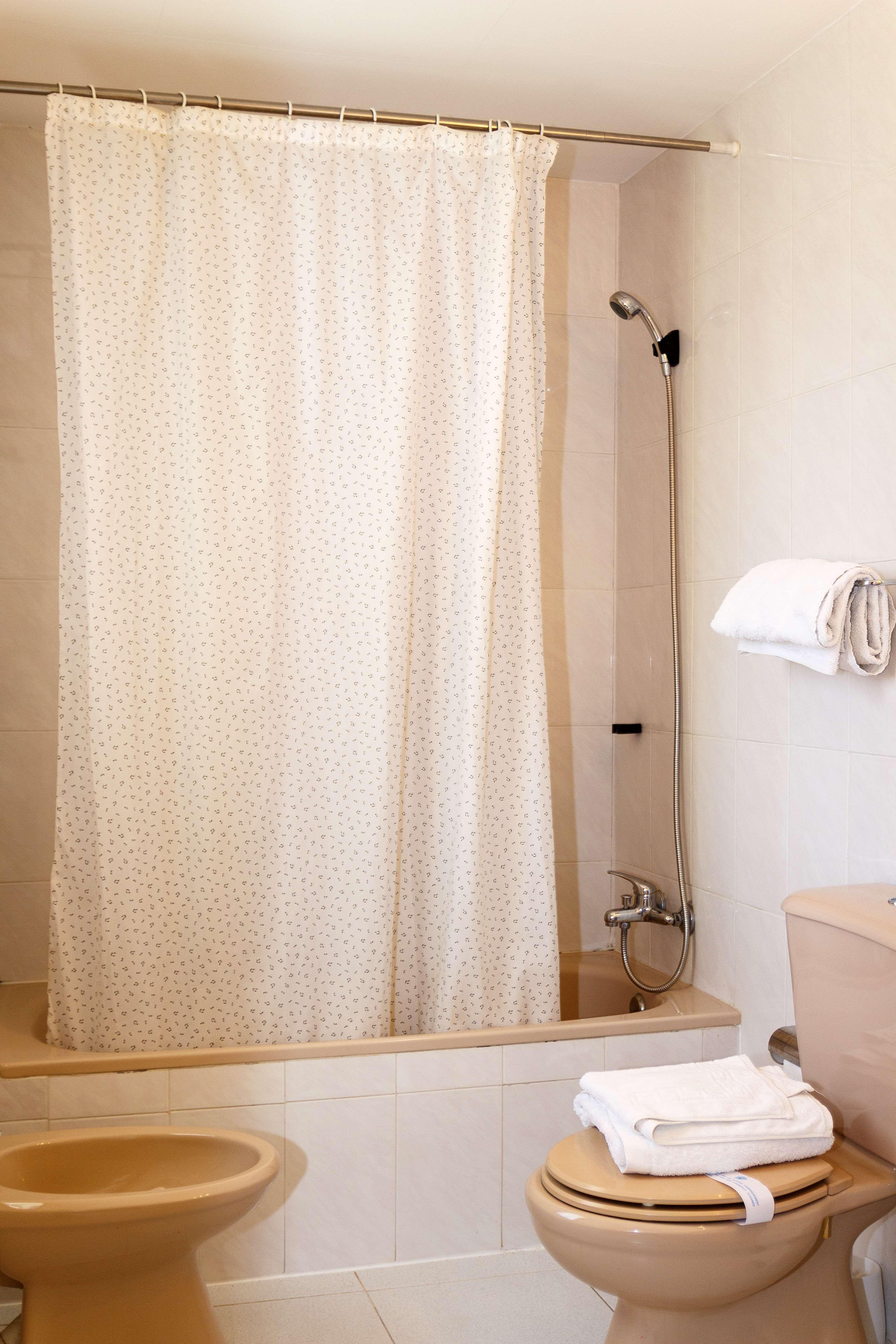 Habitación con baño de nuestro hotel en Teruel