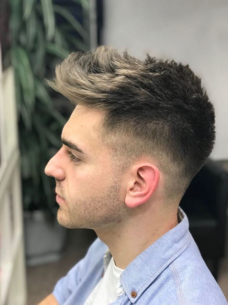 Corte de pelo de caballero: Servicios de Peluquería Mari Ló