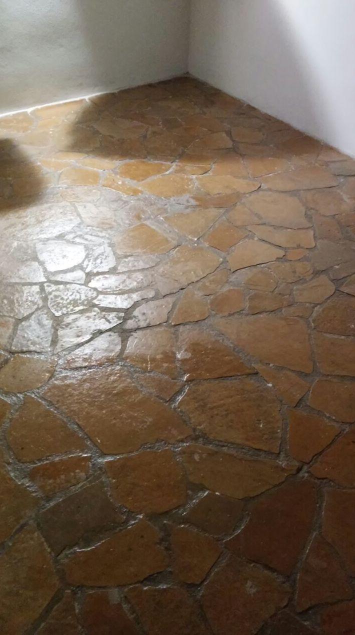 Tratamientos de pulido y abrillantado de diferentes pavimentos,hidráulico, barro...