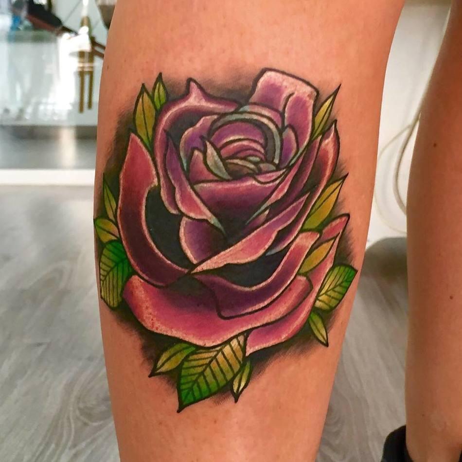 Tatuaje floral en Ibiza