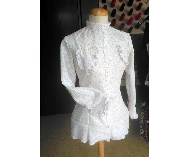 Diseño y confección de ropa de mujer a medida en Pamplona