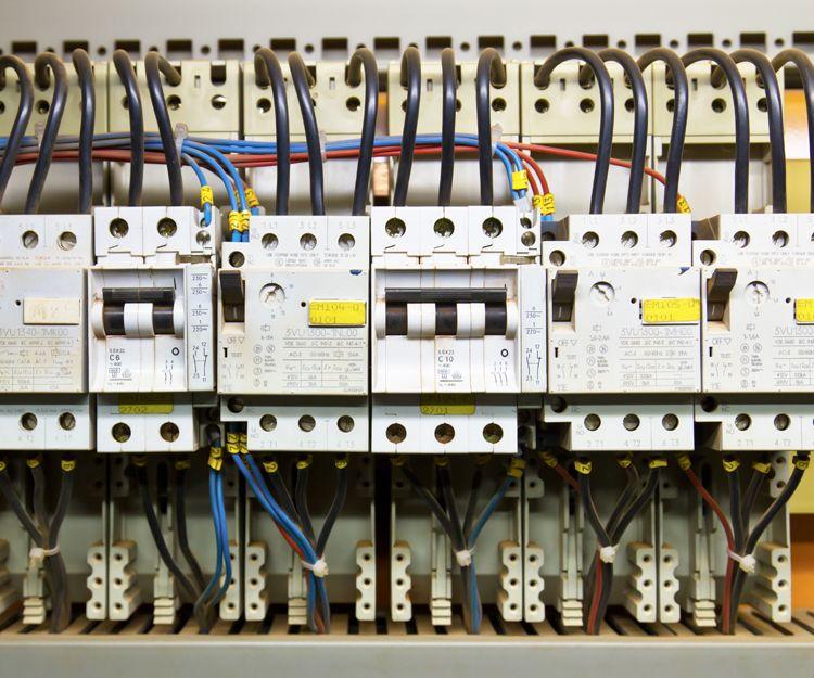 Instalación y mantenimientos de sistemas eléctricos en Castilla y León