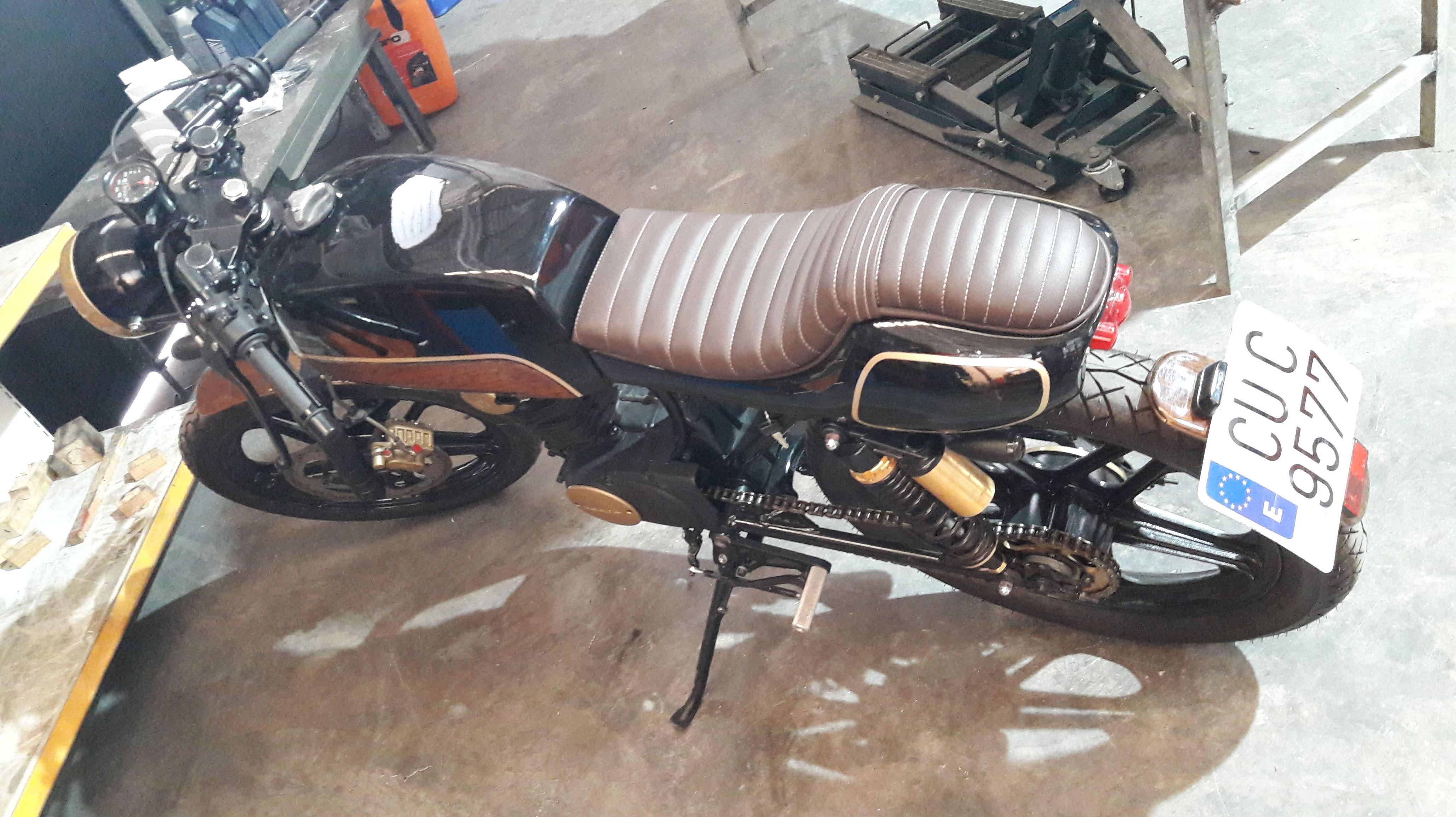 Tapizados de motos: Servicios de Tapicería Colber