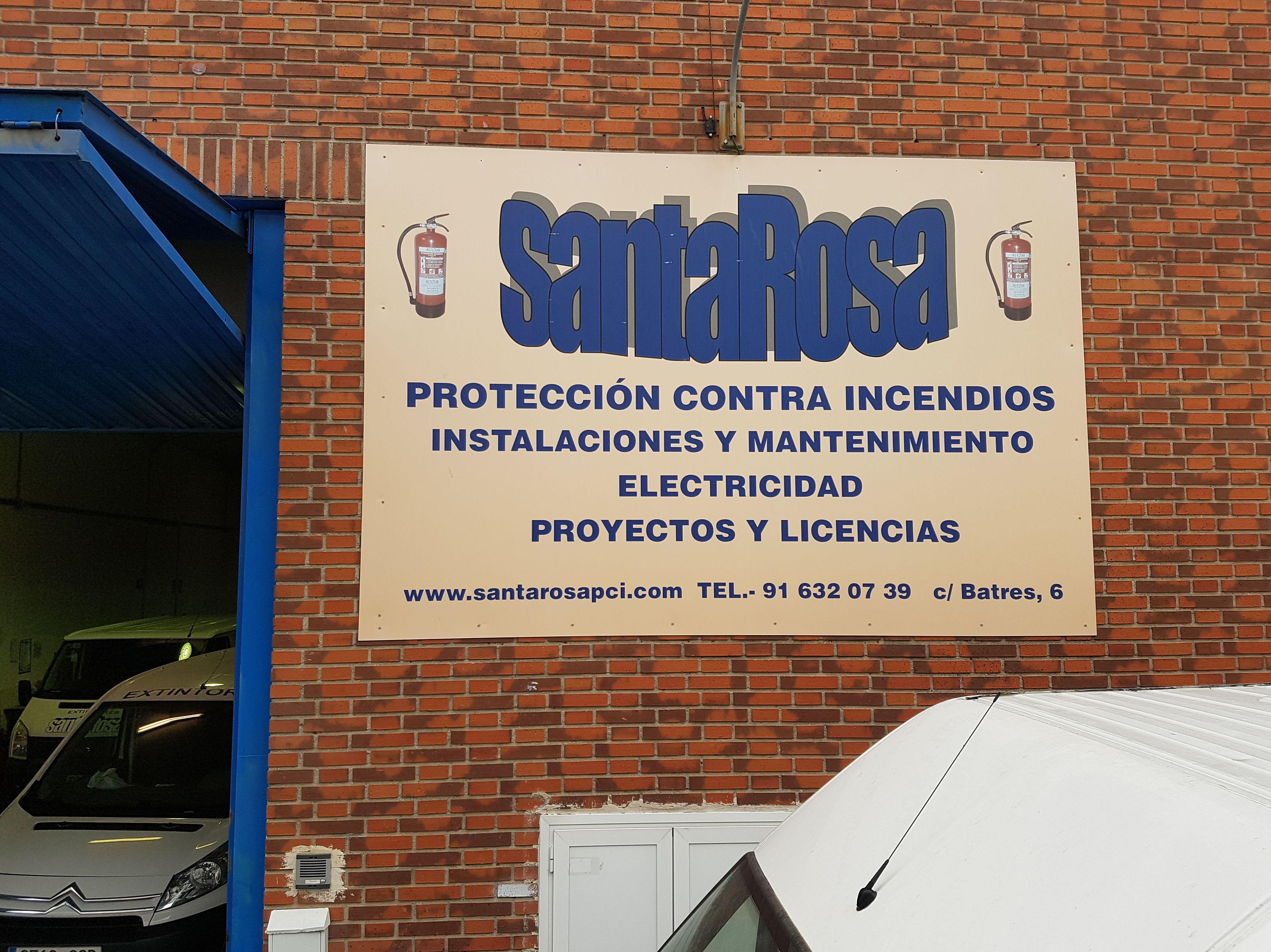 Fachada y logo