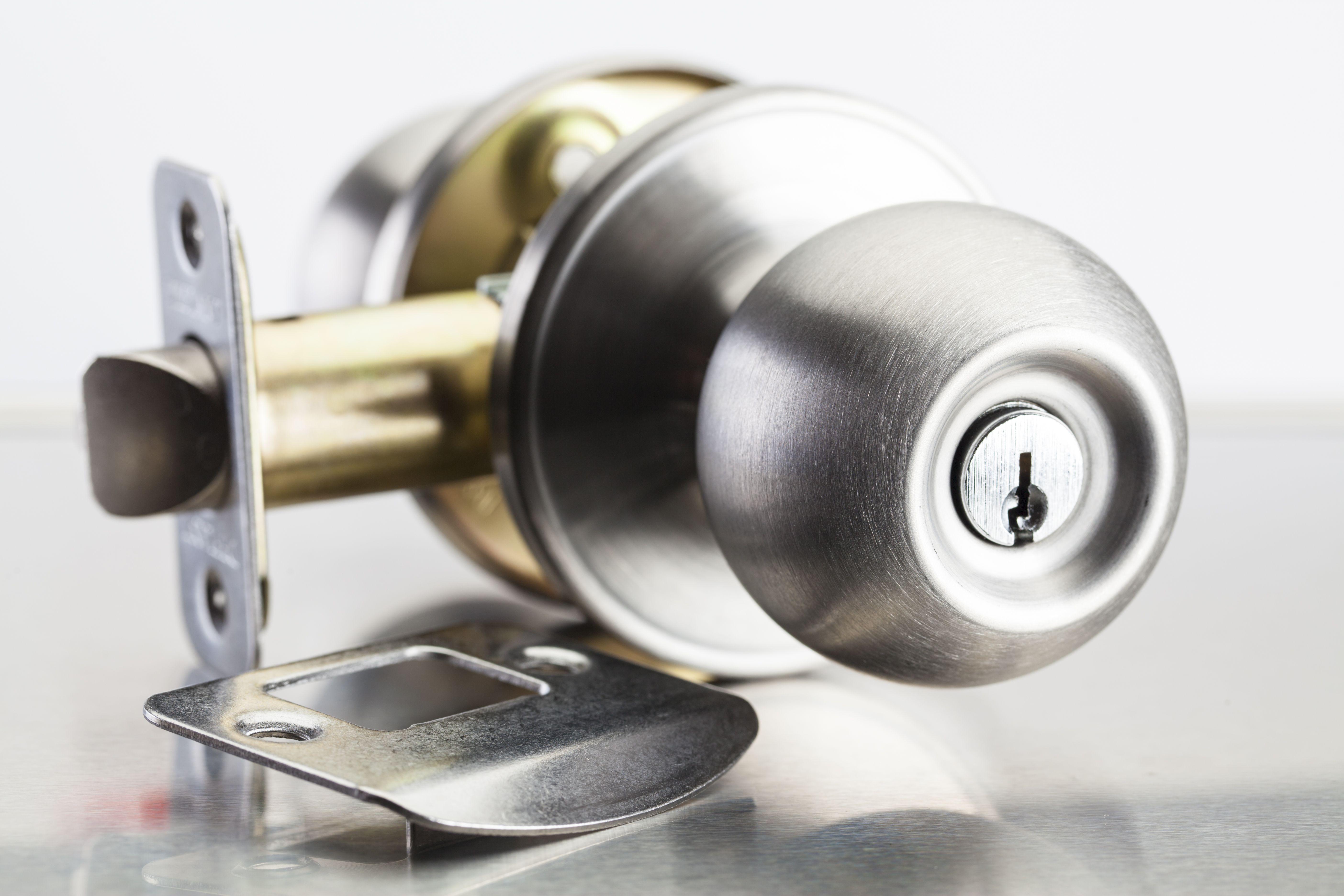 Cerraduras y bombines: Servicios de CERRAJERIA ESPADA 24HORAS