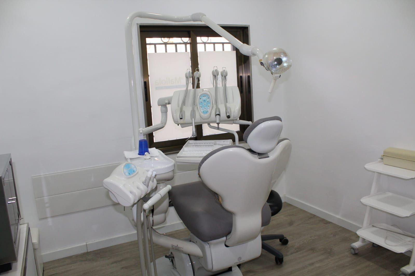 Foto 25 de Especialistas en estética dental en  | Clínica Dental La Mallola