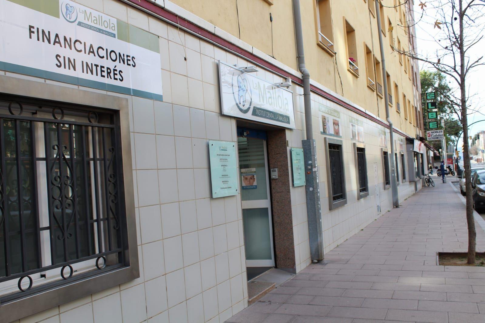 Foto 9 de Especialistas en estética dental en  | Clínica Dental La Mallola