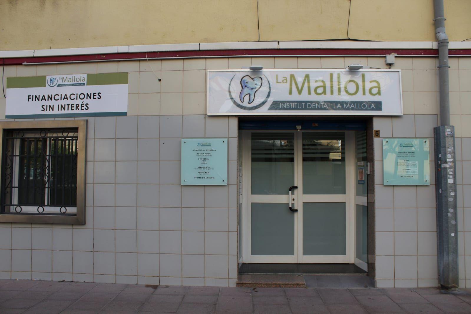 Foto 8 de Especialistas en estética dental en  | Clínica Dental La Mallola