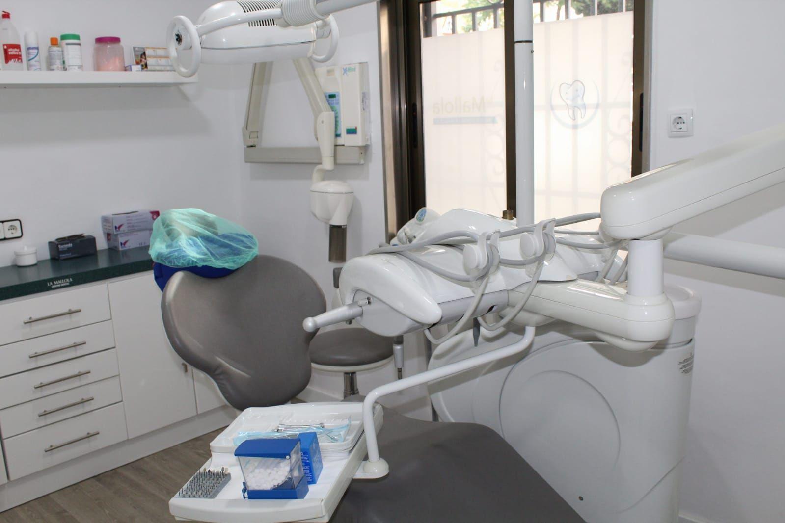 Foto 21 de Especialistas en estética dental en  | Clínica Dental La Mallola