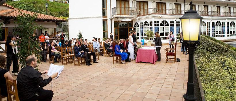 Celebración de ceremonias civiles al aire libre