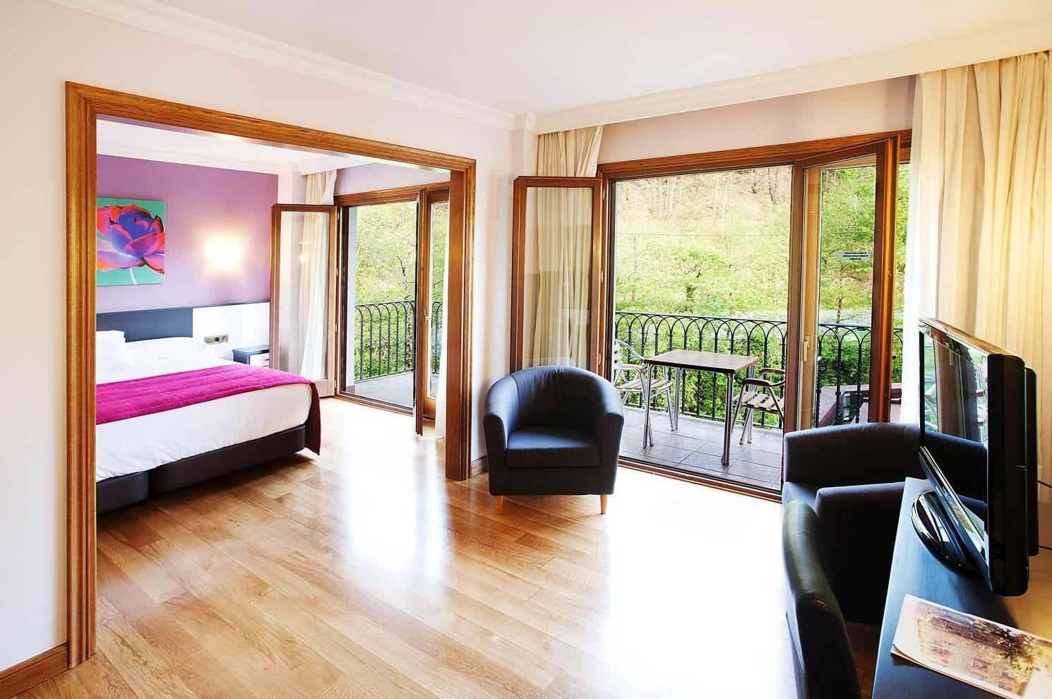 Foto 20 de Hoteles en Etxalar | Venta de Etxalar
