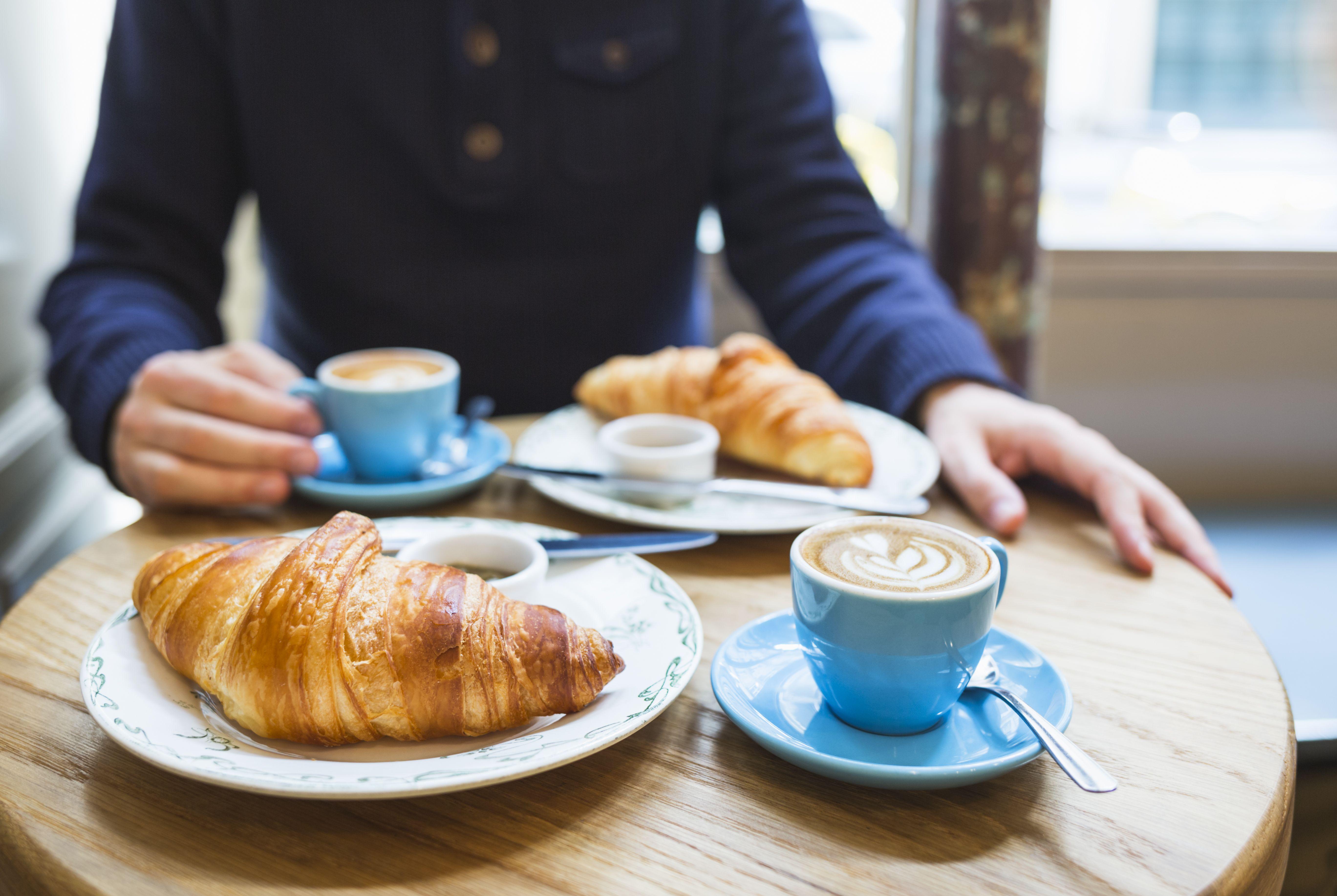 Bar con desayunos completos y variados en Madrid
