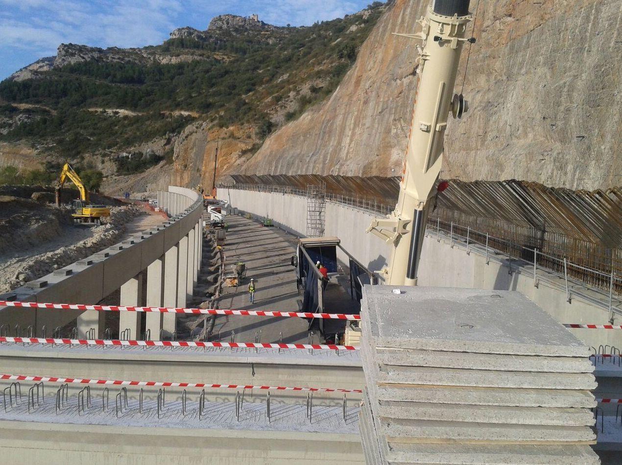 Construcción del falso tunel Autovia A23 Monrepos (Huesca)