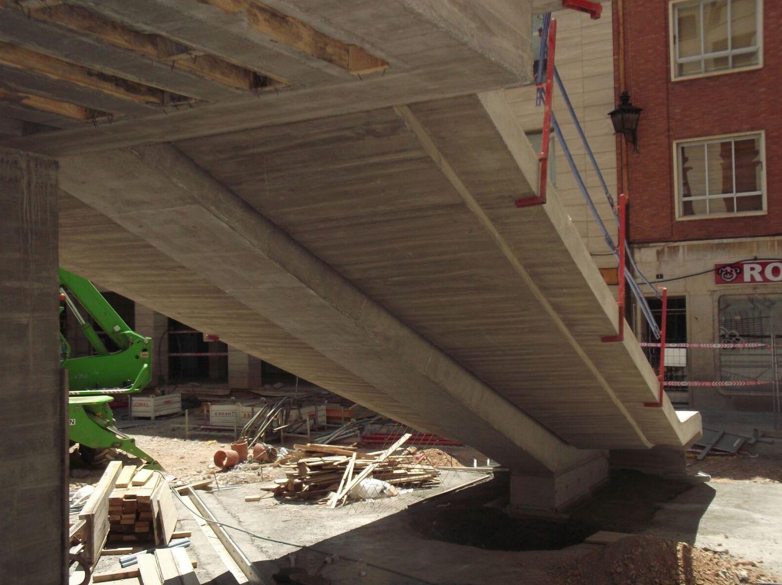 Estructura Singular de la Plaza los Amantes en Teruel