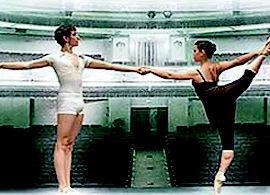 Foto 1 de Escuelas de música, danza e interpretación en Vitoria-Gasteiz | Conservatorio Municipal de Danza José Uruñuela