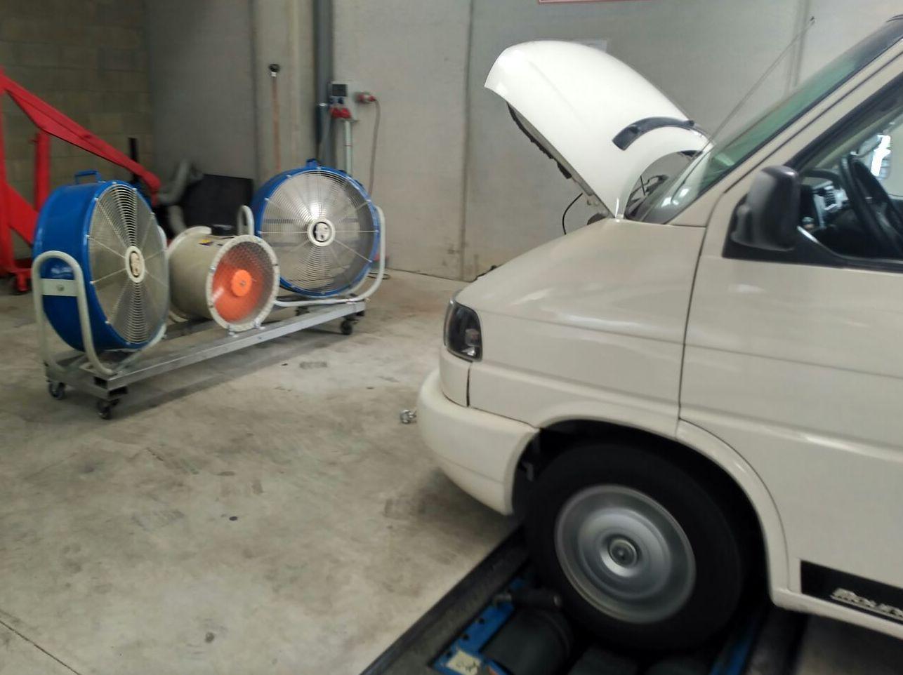 Foto 15 de Talleres de automóviles en La Cellera de Ter | Taller Mecànic Moreevolution