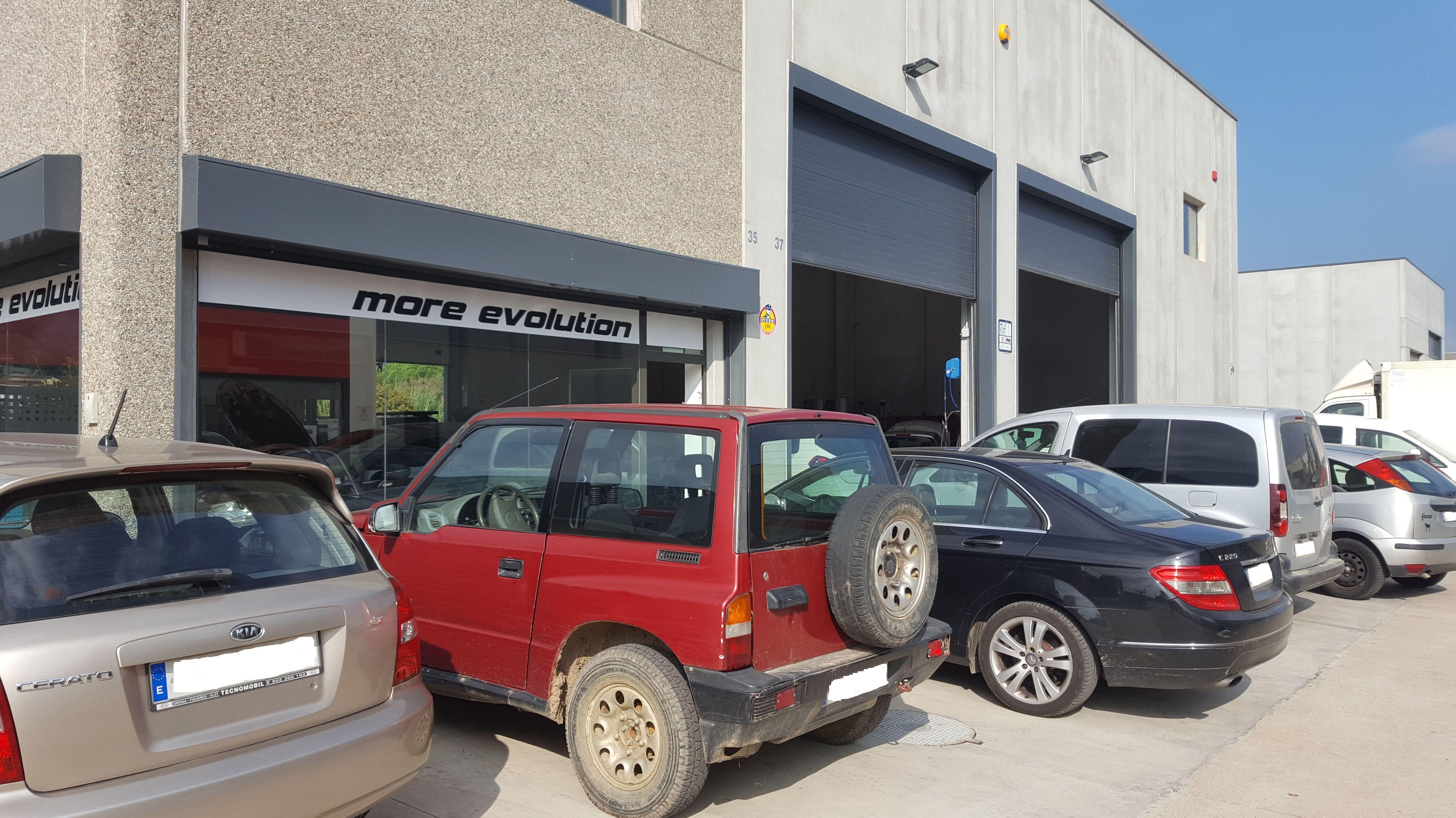 Foto 10 de Talleres de automóviles en La Cellera de Ter | Taller Mecànic Moreevolution