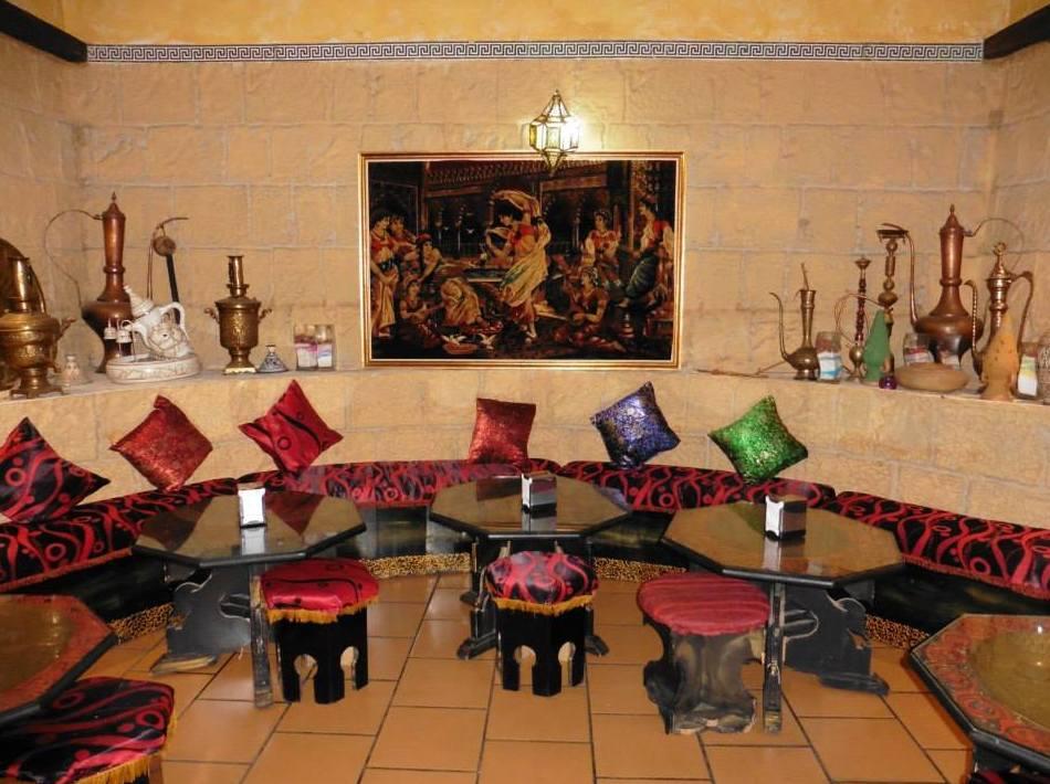 Las Mil y una Noches, restaurante y tetería en Madrid centro