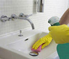 Labores domésticas: ¿Qué hacemos? de Edades Servicios Sociales