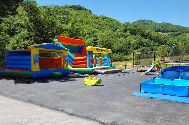 Parque infantil en el exterior Mieres