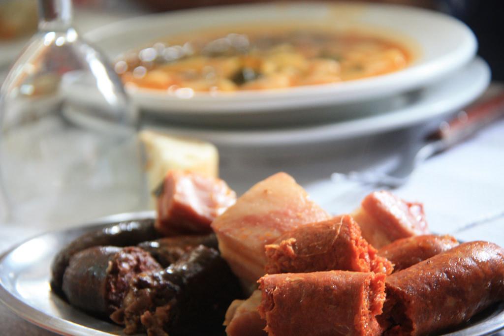 Guisos y platos de cuchara: Especialidades  de Restaurante La Viña
