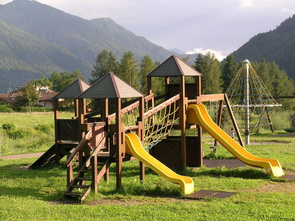Parques infantiles y equipamiento urbano: Servicios de Construcciones Palondor