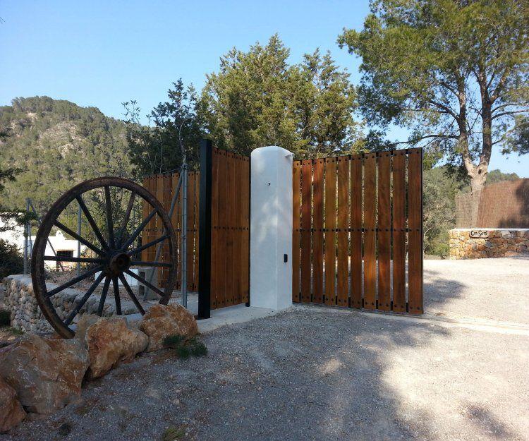 Automatismos para puertas de garaje en Ibiza