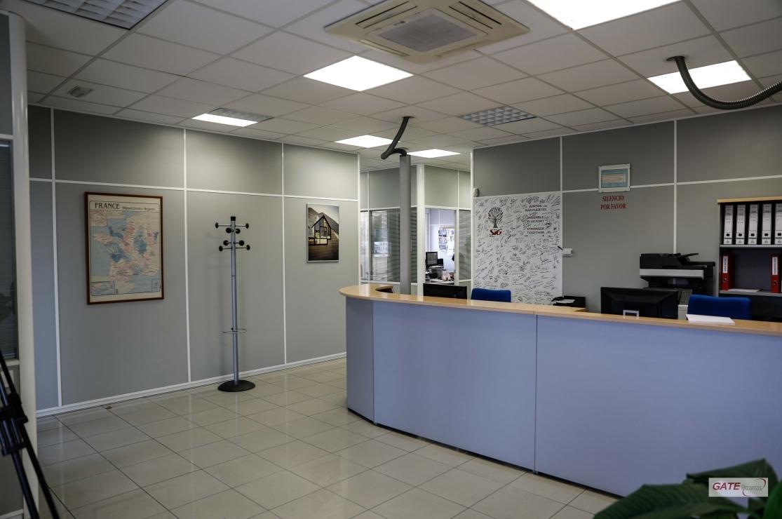 servicio y profesionalidad- customer service and profesionalism- service cient -profesionnels