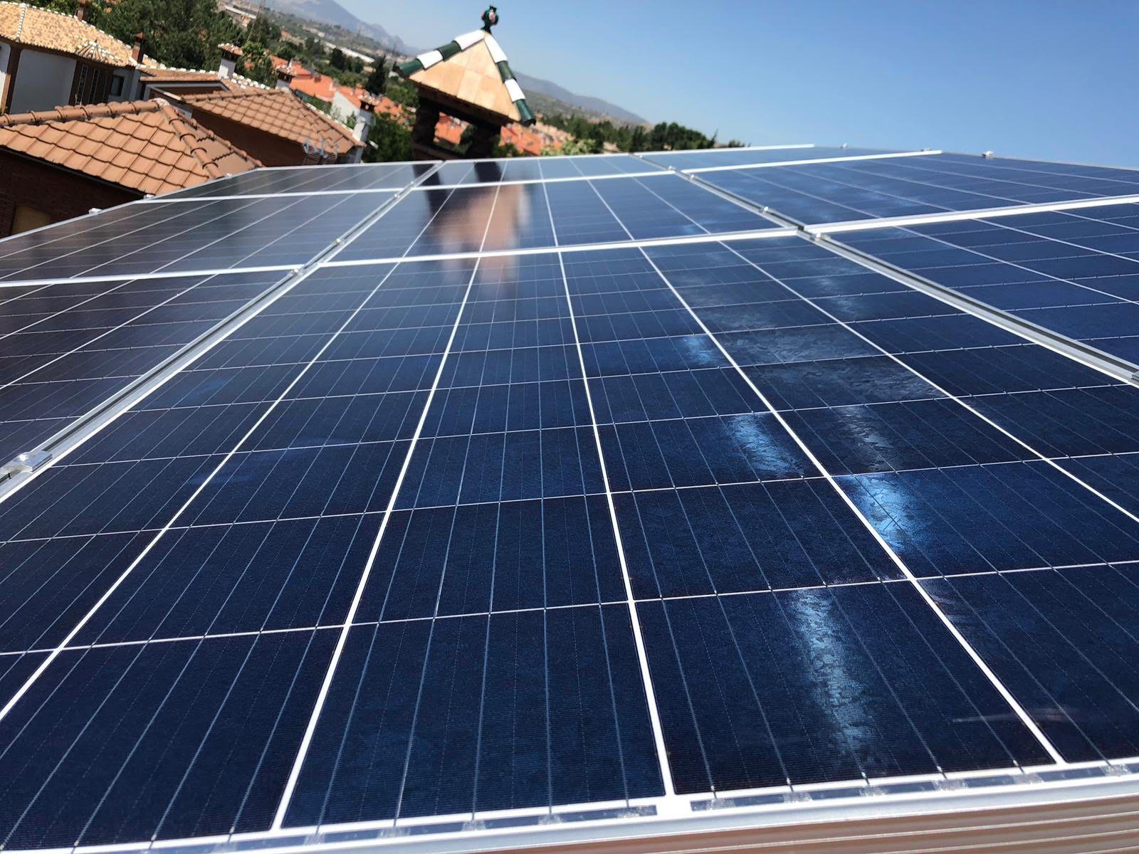 Foto 24 de Instalación de placas solares en  | Ahorralia
