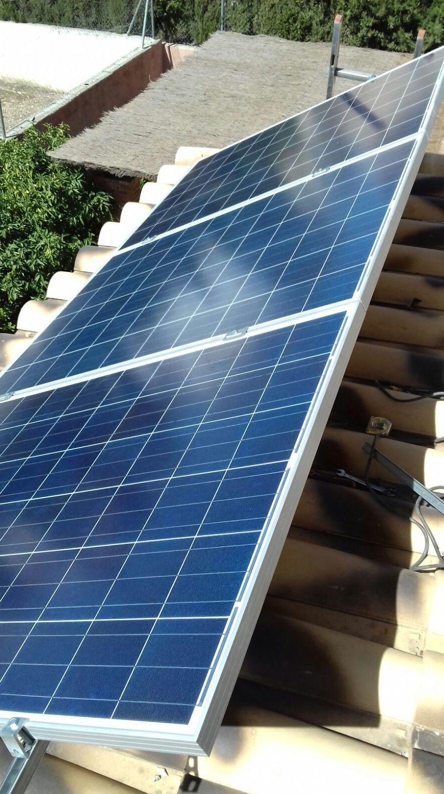 Foto 3 de Instalación de placas solares en  | Ahorralia
