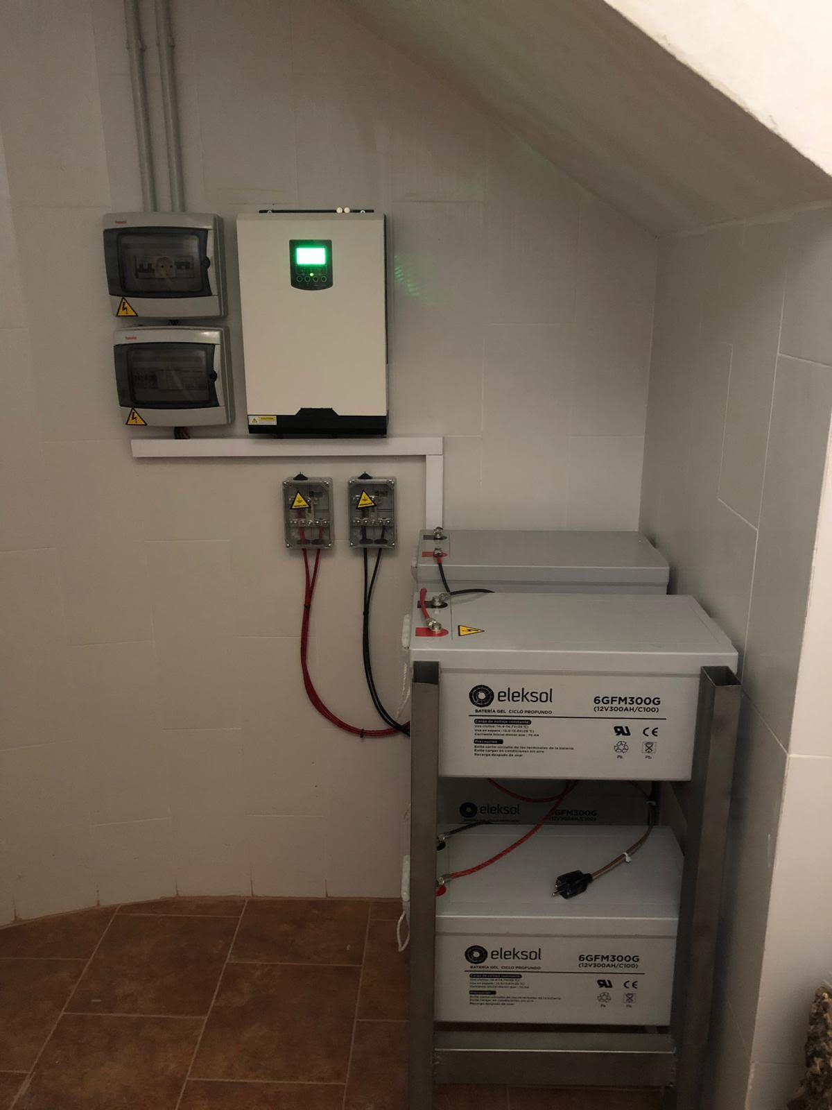 Foto 16 de Instalación de placas solares en  | Ahorralia