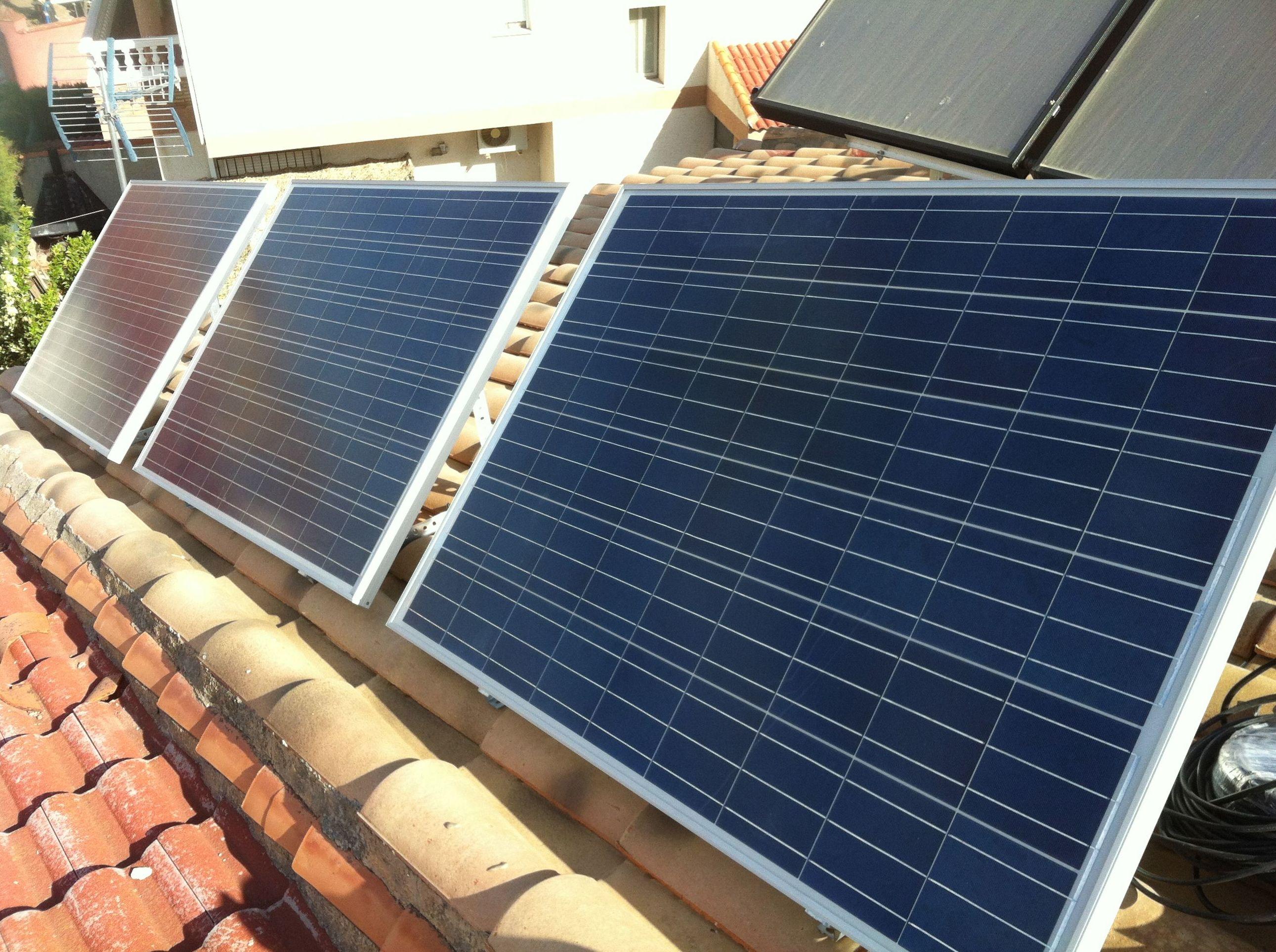 Foto 7 de Instalación de placas solares en  | Ahorralia