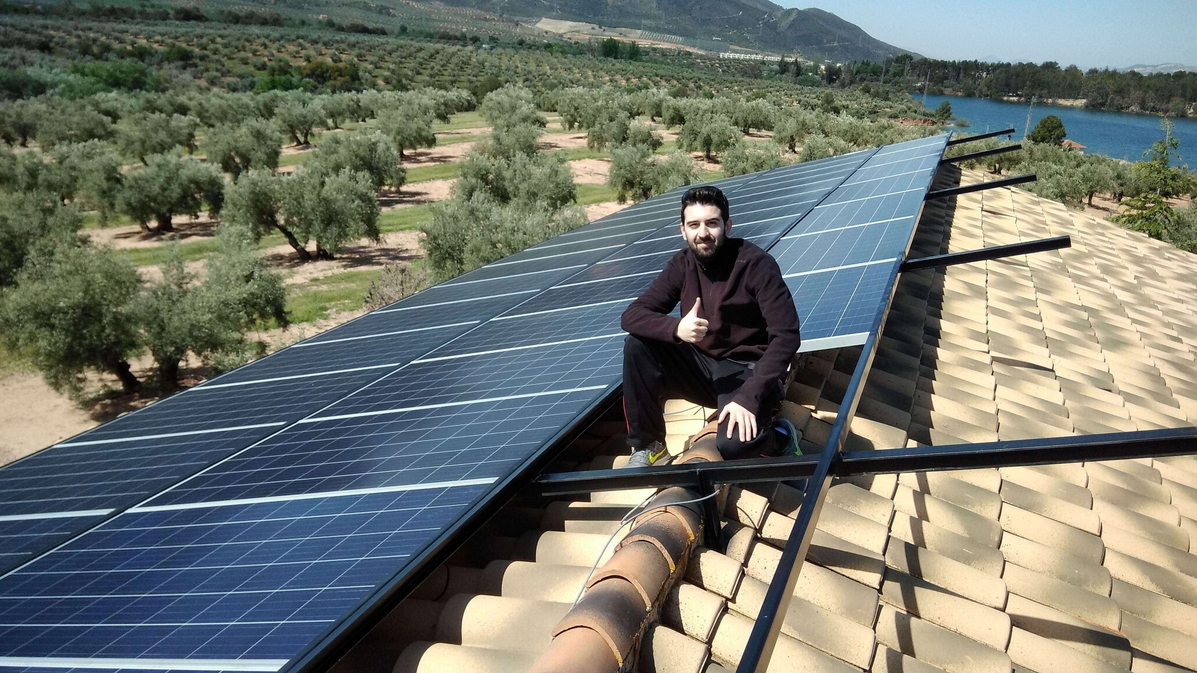 Foto 19 de Instalación de placas solares en    Ahorralia